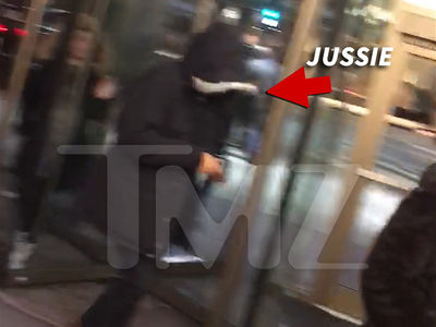 Jussie Smollett Goes Incognito for Family Dinner in Chicago