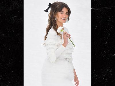 Penelope Cruz Makes Angelic Runway Debut for Chanel at Paris Fashion Week