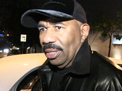 Steve Harvey Says 'Hell Yeah' to Will Smith Playing Serena Williams' Dad