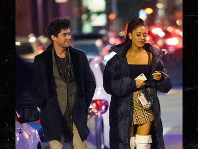 Ariana Grande's Catching Up with Another Ex, Graham Phillips