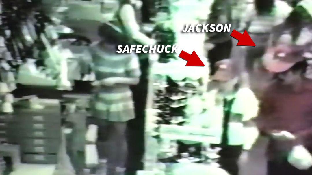MICHAEL JACKSON  COMPRABA JOYAS A UNO DE SUS ACUSADORES