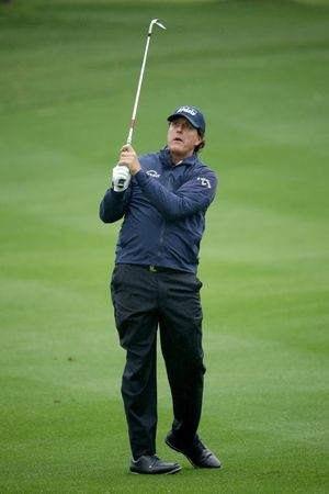 Phil Mickelson's Swingin' Shots