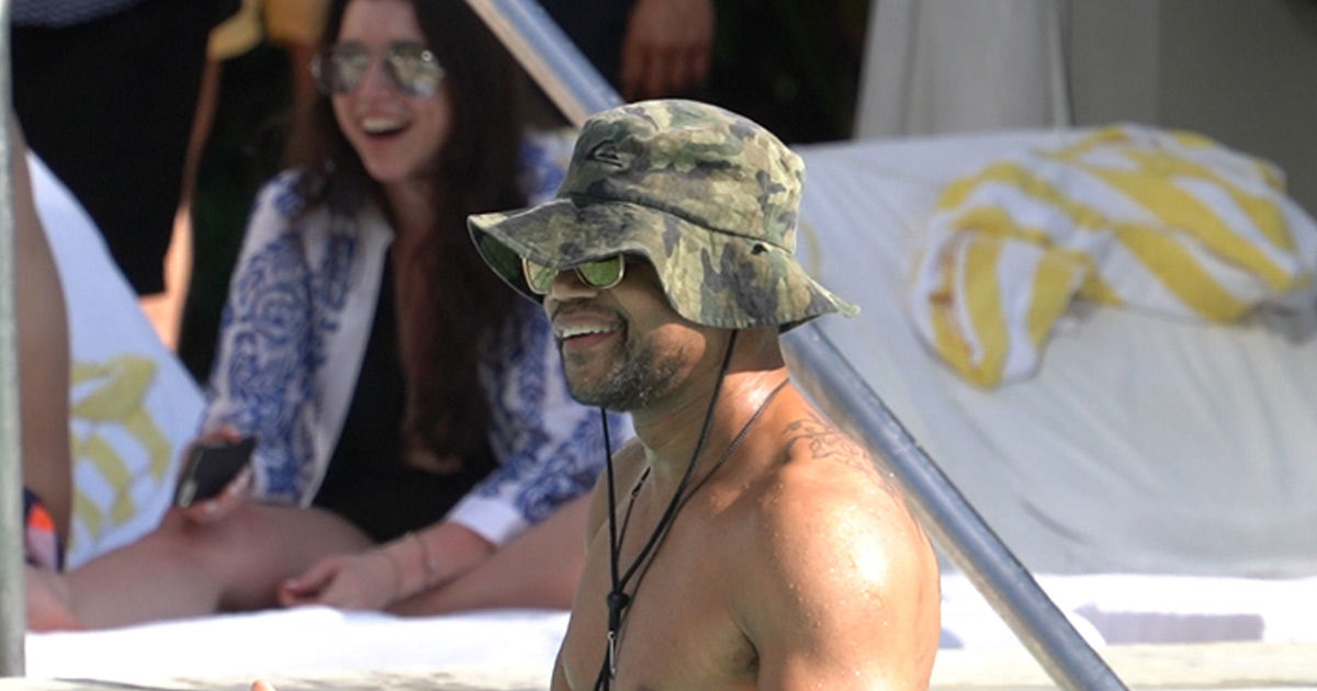 ab937744012 Cuba Gooding Jr. Partying at a Spring Break Pool Party in Miami Beach