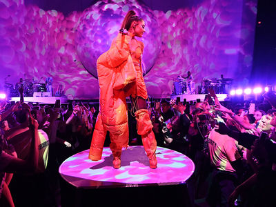 Ariana Grande Honored Mac Miller to Kick Off Sweetener Tour