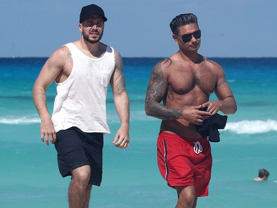 'Jersey Shore' Stars Pauly D and Vinny Shirtless and Ripped On Beach in Mexico