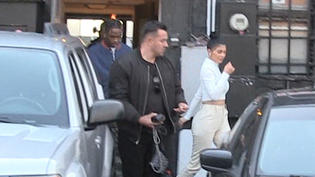 7d95f55114d0d6 Kylie Jenner and Travis Scott Have Dinner Together with Stormi