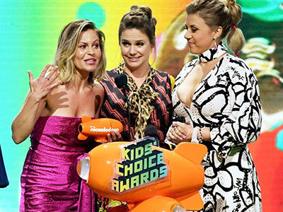 Did 'Fuller House' Cast Reference Lori Loughlin During 'Kids' Choice Awards' Acceptance Speech?