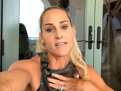 WWE's Top Women Should Demand Equal Pay with Men, Says Michelle McCool