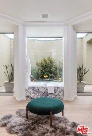 Ellen DeGeneres' Bev Hills House -- For $ALE