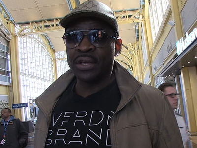 Michael Irvin Begs For Cure For Cancer After 'Paralyzing' Scare