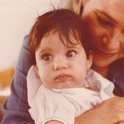 Before this observant tot was opening her eyes to the world of acting ... she was just another bundle of joy growing up in New York City.
