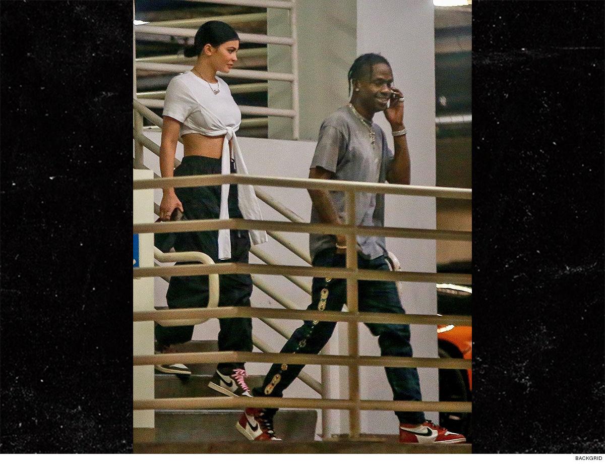 e044342fa4efe0 Kylie Jenner and Travis Scott Shop