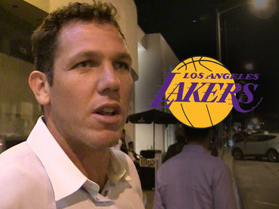 Luke Walton Out as Lakers Head Coach