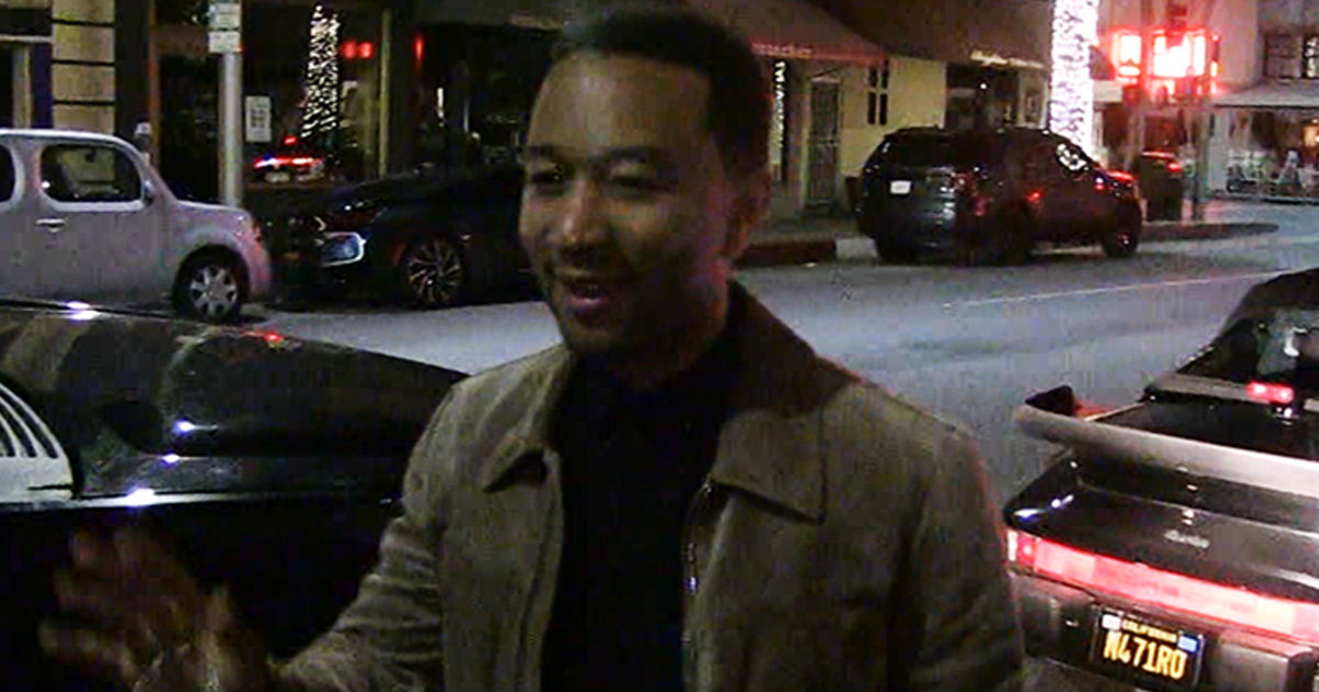 John Legend Disappoints Paps ... Where's Chrissy Teigen?!