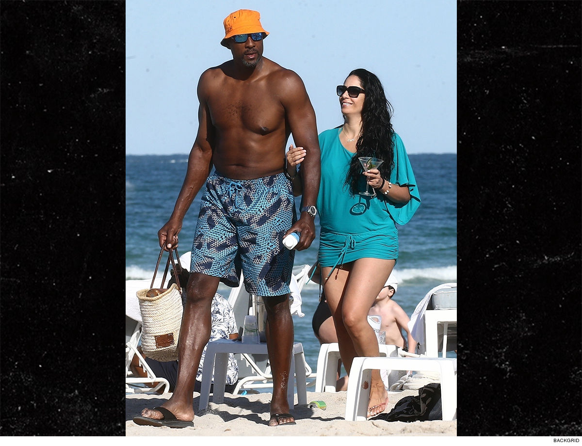 Alonzo Mourning Spotted With Mystery Beach Babe After Split From Wife