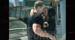 John Cena Kissing New Girlfriend, Pulls Ultimate BF Move!
