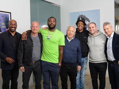 Jay-Z & Meek Mill Standing By Robert Kraft During Spa Case
