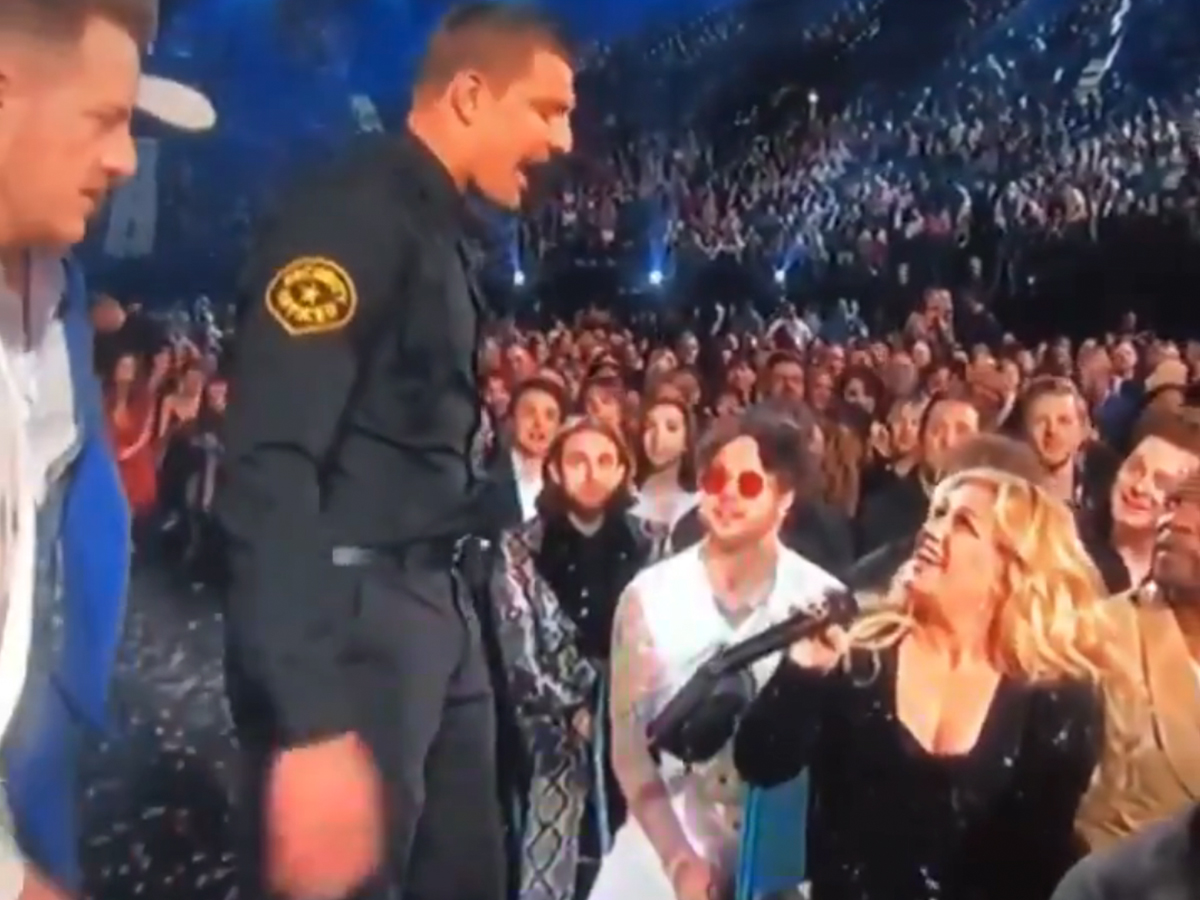 77ce447cc67153 Rob Gronkowski looks like he s OFFICIALLY moved on from football -- and  onto acting --  cause the retired Pats star killed it as a fake cop at the  Billboard ...