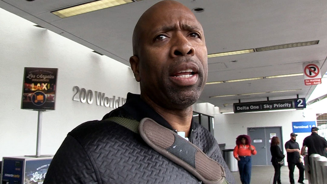a53bf98f1 Kenny Smith Says Danny Ainge Heart Attack Is Wake-Up Call For Ex ...