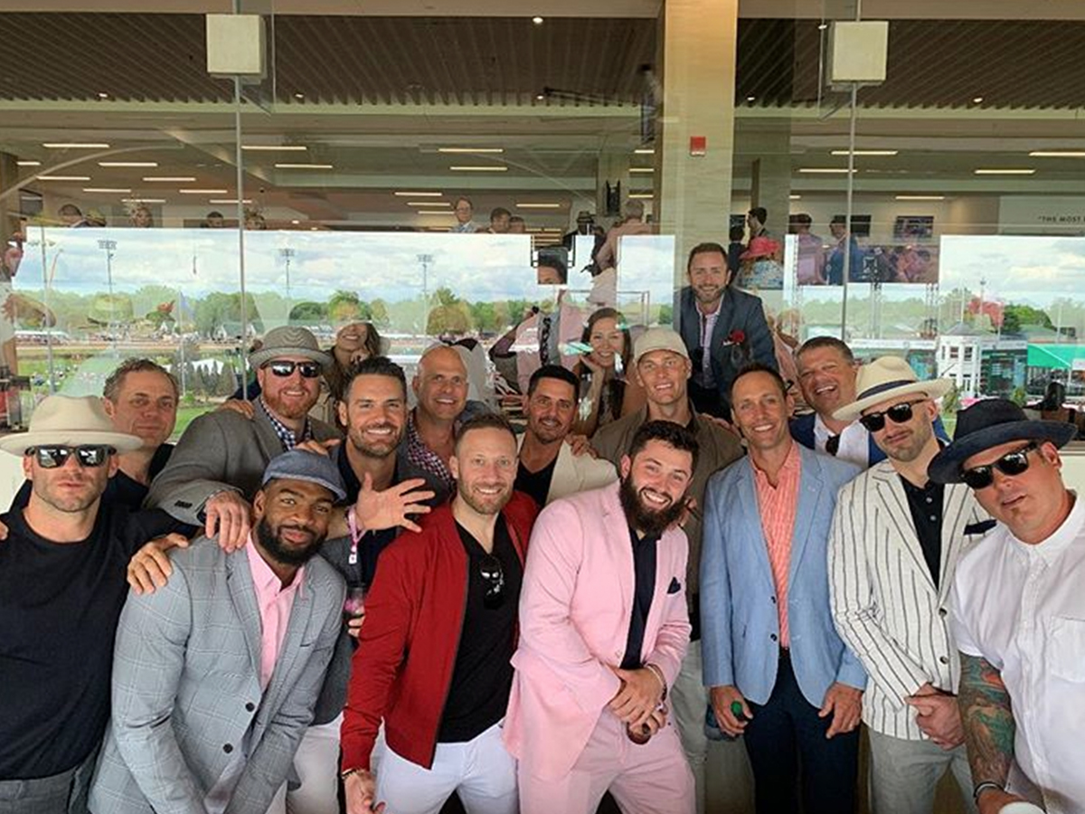 a7b4d7f98 Baker Mayfield Outswags Tom Brady ... at Kentucky Derby