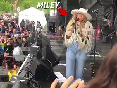 Miley Cyrus Yells 'Free Britney' During Beale Street Festival