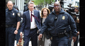 Felicity Huffman Facing 4 Months in Prison As She Enters Guilty Plea