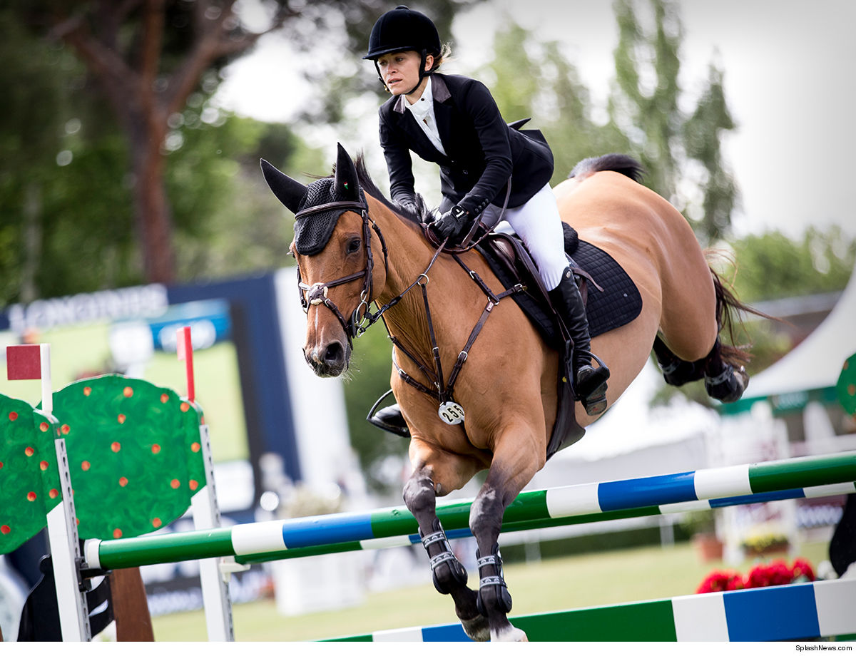 Mary-Kate Olsen Back on Her Horse and Flying!!!