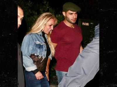 Britney Spears Goes Out to Dinner with Boyfriend Amid 'Free Britney' Cries