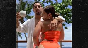 Boxer Danny Garcia's GF Shows Knockout Buns in Puerto Rico