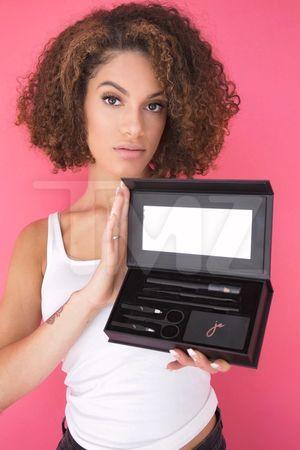 Jenelle Evans' Makeup Kits