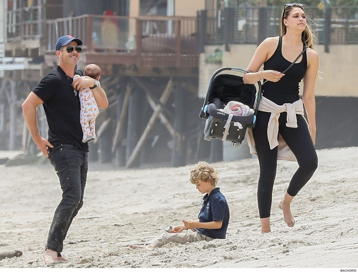 Robin Thicke's Father's Day Can't Help Myself ... It's Family Photo Time, Baby(s)!!!