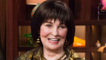 Gloria Vanderbilt, Anderson Cooper's Mom, Dead at 95 After Cancer Battle