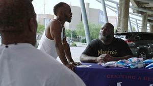 WWE's Mark Henry Spent Father's Day Giving Haircuts to the Homeless