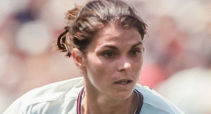'90s Women's World Cup Star Mia Hamm 'Memba Her?!