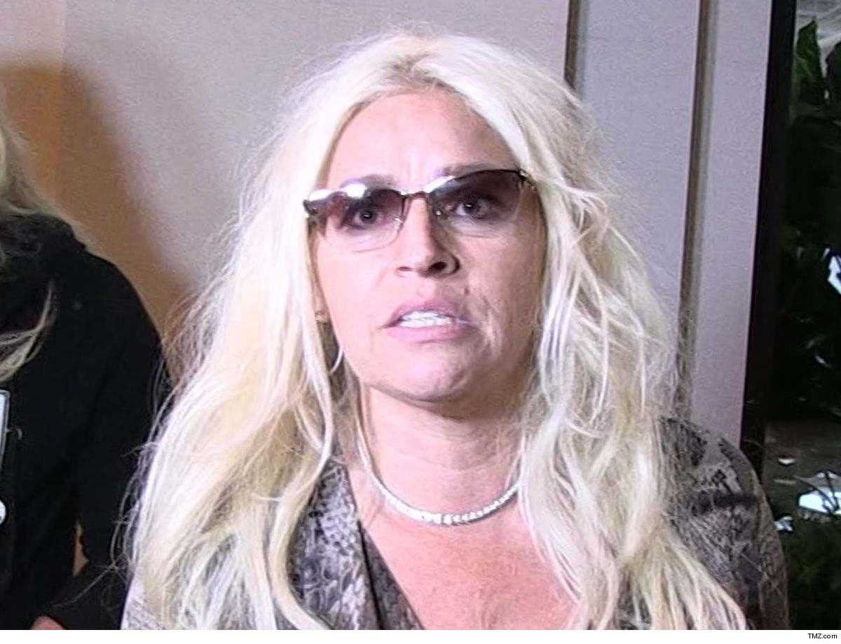 418bc0e93 Beth Chapman is in desperate shape ... in a medically-induced coma at a  hospital in Hawaii, and her husband, Duane