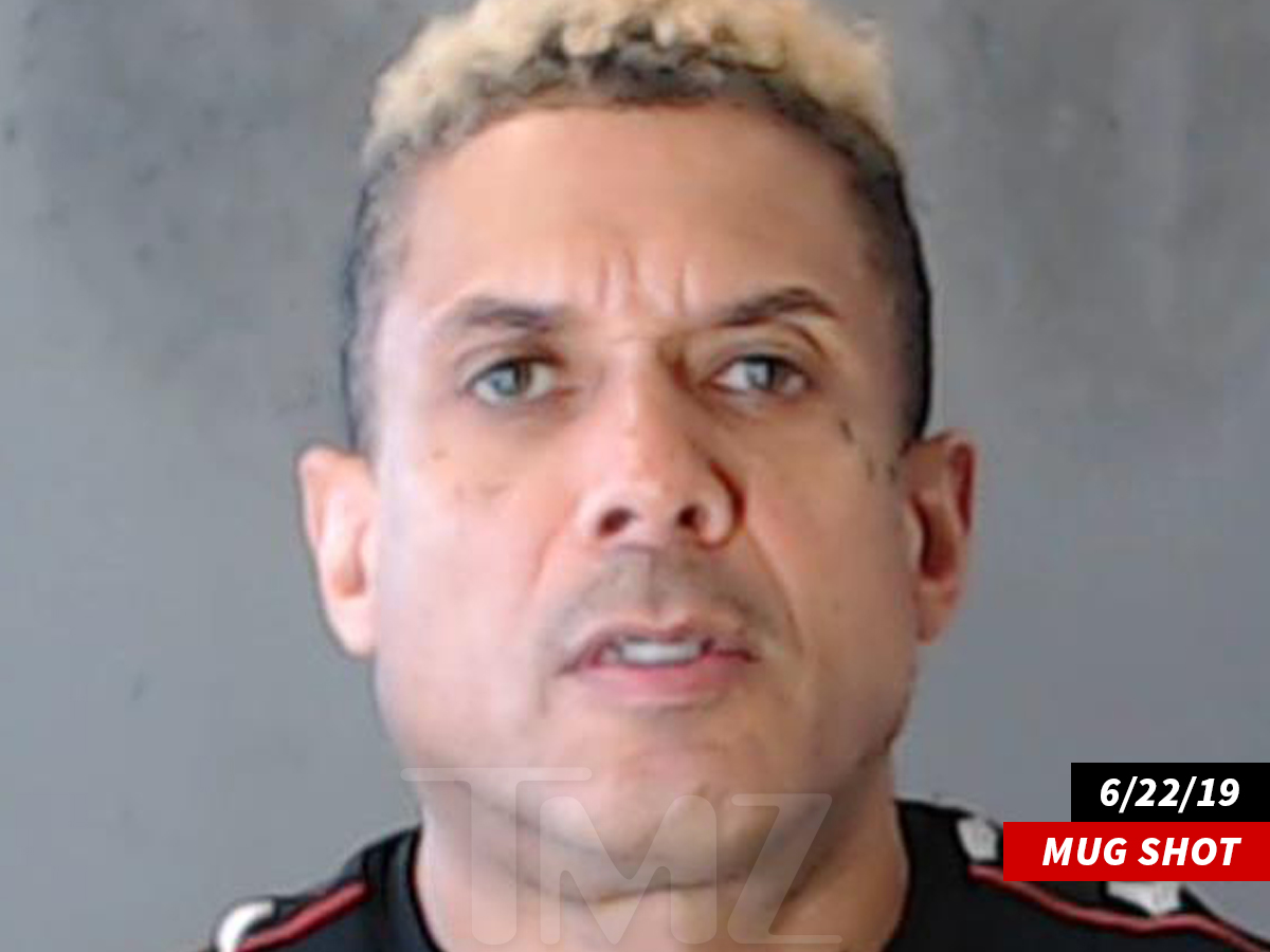 06d7a001 Benzino got busted for failing to appear in court for a traffic violation,  but before cops slapped the cuffs on him ... and he let it be known he  thinks the ...