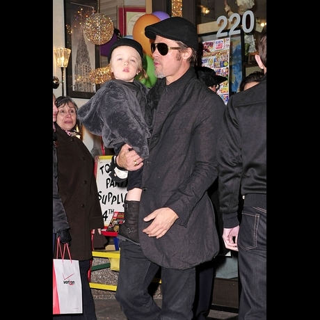 Brad & Angelina's Twins Get Carried Away -- Zoom View!