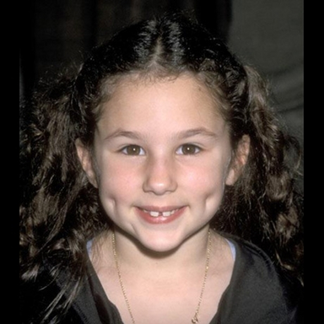"""Famous for starring in Pepsi commercials in the late '90s, Hallie Kate Eisenberg went on to star in films like """"Paulie"""" and """"Bicentennial Man"""" -- but she was not in """"Curly Sue."""""""