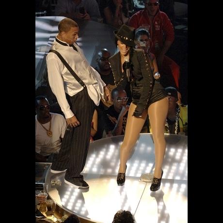 Chris Brown and Rihanna Photos